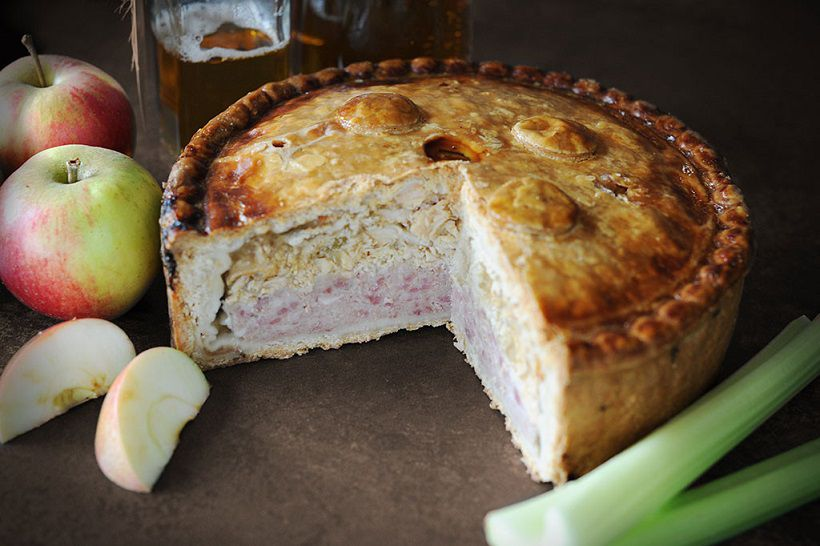topping_pies_large_scrumpy_pork_pie