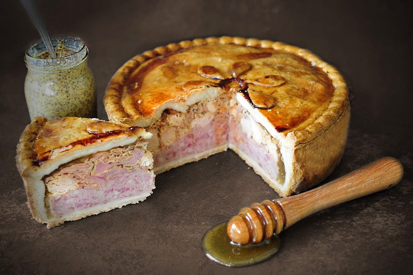 topping_pies_yorkshire_farmers_pork_pie