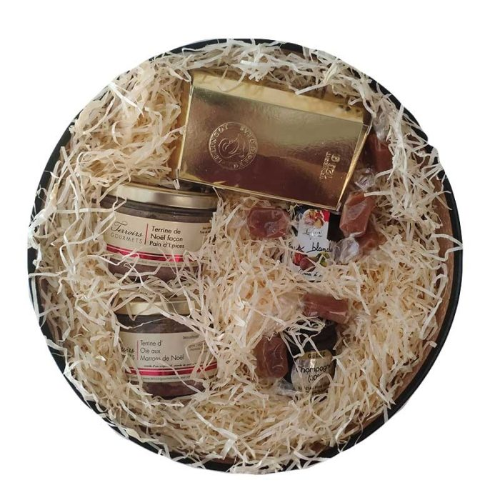 the_french_basket_'un_noël_en_or'_gift_box1_the_artisan_food_company