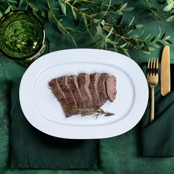 bavette_steak_on_a_serving_plate_the_artisan_food_company