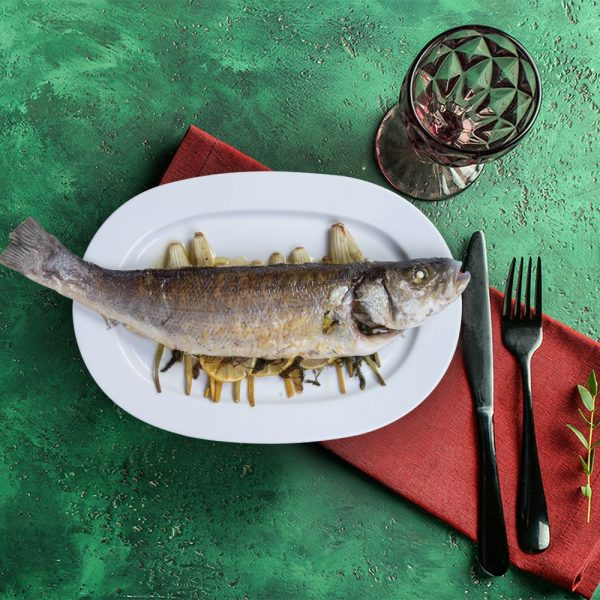 whole_sea_bass_with_rosted_fennel_serving_plate_weekly_recipe_box_the_artisan_food_company