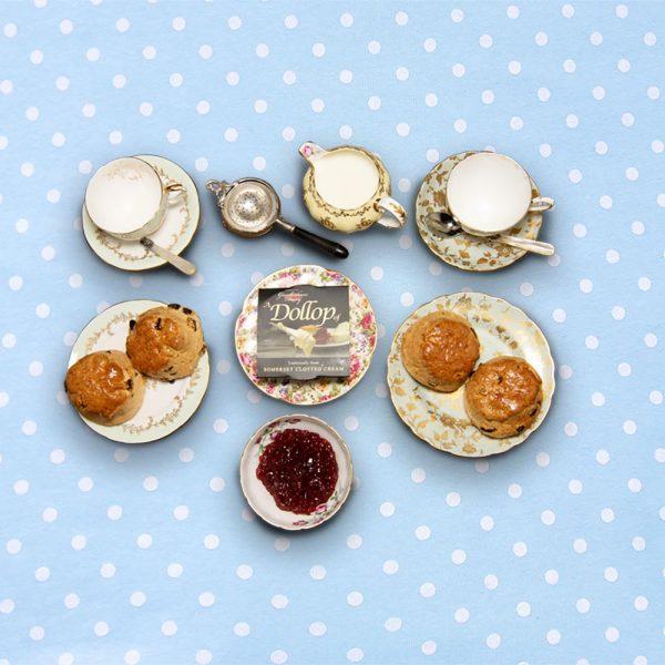 english_tea_hamper_for_4_the_artisan_food_company