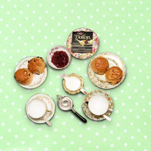 english_tea_hamper_for_8_the_artisan_food_company