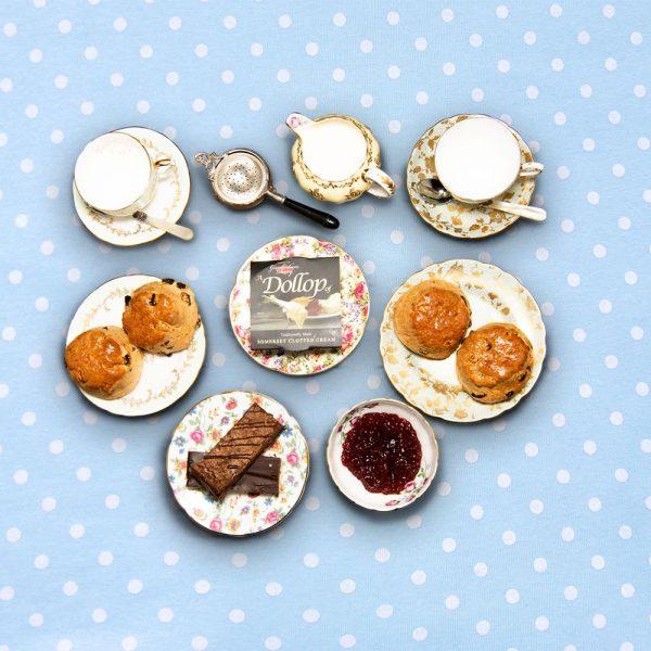 english_tea_hamper_with_cake_for_4_the_artisan_food_company