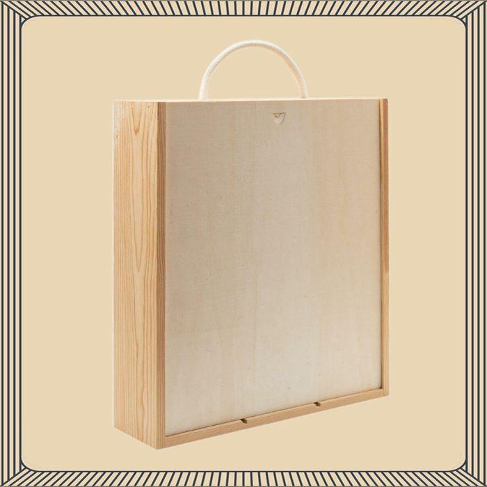col_de'_salici_prosecco_di_valdobbiadene_brut_in_a_wooden_gift_boxes