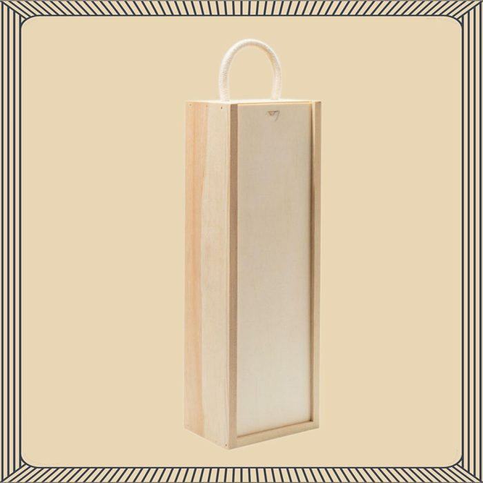 english_sparkling_cottonworth_blanc_de_blancs_in_a_wooden_gift_boxes